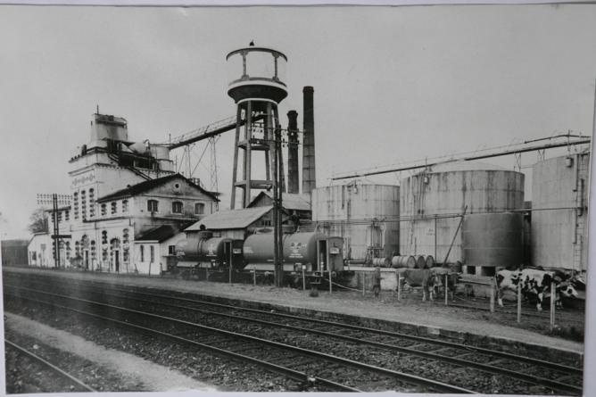 22 Le Magnou 2 cheminées boeufs avant explosion 1934
