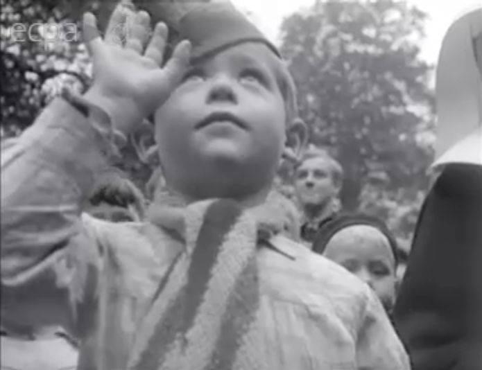 1 petit claude les enfants de la guerre photos nb 2