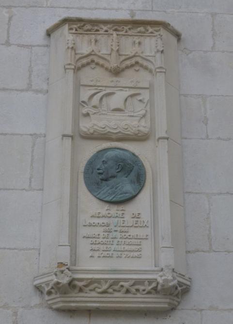 1 plaque vieljeux mairie p1010780