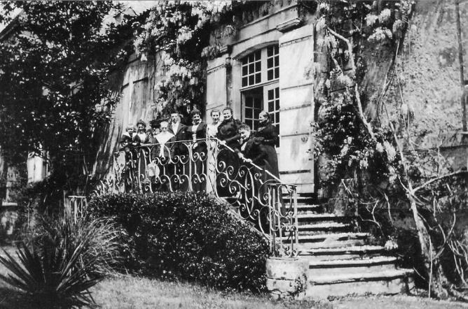 9 granges famille mantrant 1900