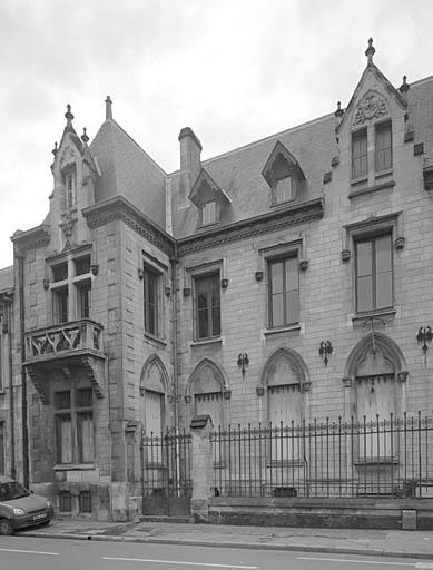 Hotel delmas facade partie est